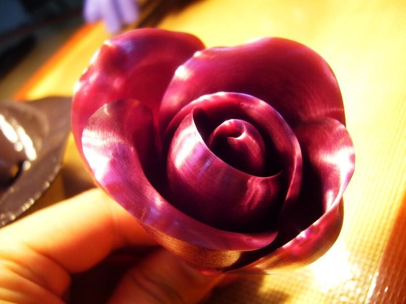 如何使用拉糖制作玫瑰花